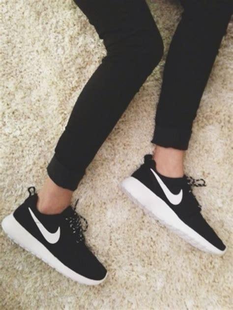 nike roshe run s running shoes black white volt