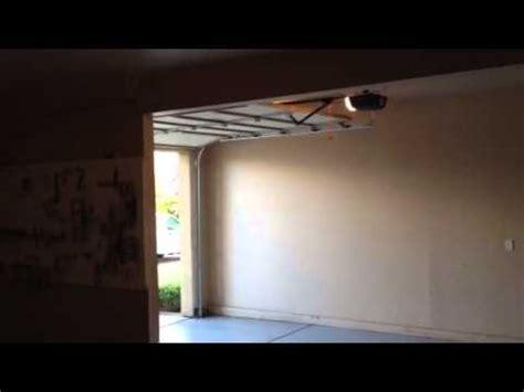 Chamberlain Garage Door Opener Hd930ev by Garage Door Opener Chamberlain Liftmaster 2000sdr Doovi