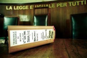 tribunale di roma ufficio successioni intascava compensi non dovuti indagato cancelliere