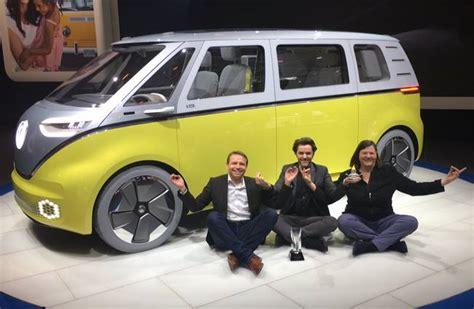 volkswagen minibus electric vw unveils its autonomous electric microbus concept