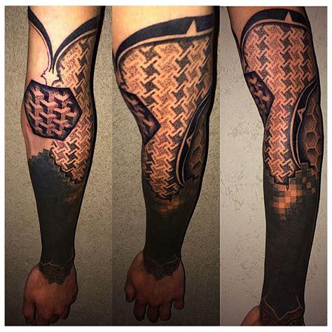 geometric tattoo vienna done by krusty tattoo vienna on olivier senesael piercer