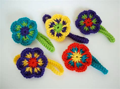 free crochet pattern flowers headbands free pattern easy crochet flower headband simply