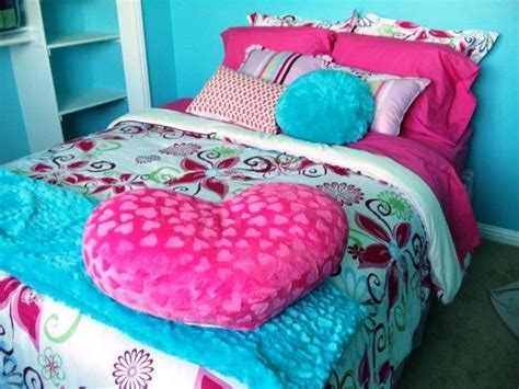 turquoise and pink bedroom pin by angie curtis on i love pink pinterest