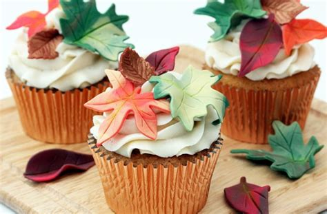 fall cupcake decorations autumn leaf cupcakes goodtoknow