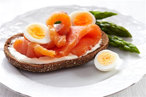 come cucinare uova di quaglia come cucinare le uova di quaglia i nostri consigli