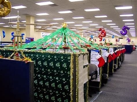 decorating your cubicle for christmas office cubicle christmas decorating ideas madinbelgrade
