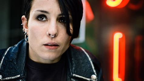 noomi rapace girl with the dragon tattoo noomi rapace desktop wallpaper nr 37643