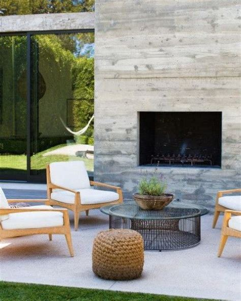 Outdoor Fireplace Chairs by 34 Inspiring Outdoor Fireplaces Comfydwelling