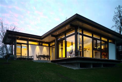 Bungalow Aus Holz Und Glas by Bungalow Aus Holz Und Glas Huf Haus Bungalow Modernes