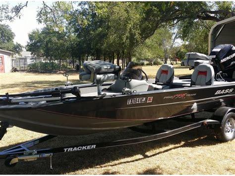 bass boat occasion tracker 175 pro tf bass boat en florida bateaux 224 moteur