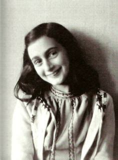 biographie de anne frank a group photo with margot frank 2nd left and friends on