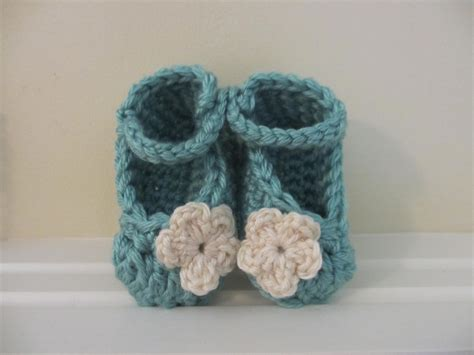 pattern for chunky yarn jay s boutique blog free pattern chunky yarn baby booties
