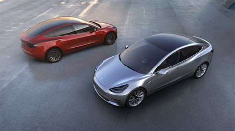 The Tesla Gm Battles Tesla Chevrolet Bolt Ev Vs Tesla Model 3