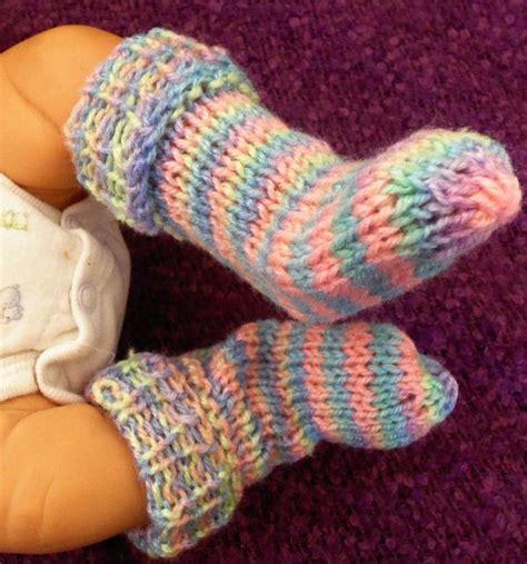 stay on booties knitting pattern bevs stay on booties allfreeknittingcom