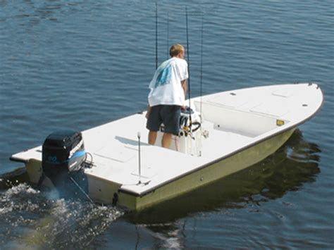dusky boat weight research 2013 dusky boats 18r on iboats