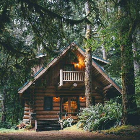 wood cabin best 25 wood cabins ideas on log cabin homes