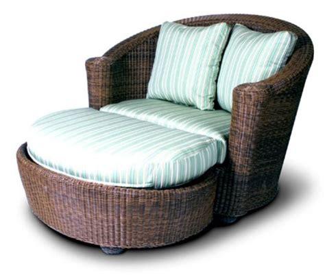 sunroom porch living room sofa loveseat chair
