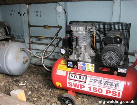 reducing water in a diy compressed air supply