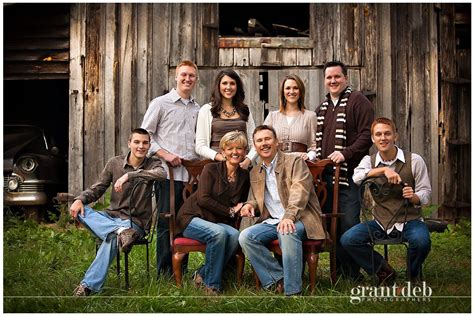 family picture color ideas love this color scheme for family portraits great idea