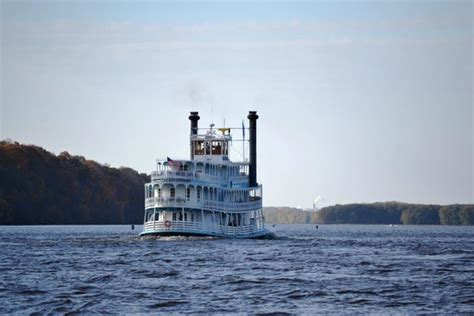 mississippi river boat cruise vacations mississippi explorer river boat cruises galena il