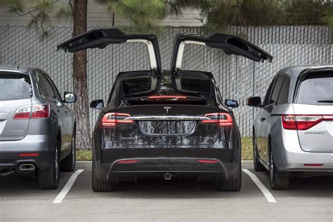 tesla starts shipping quot signature series quot model x cars to