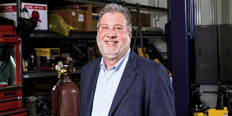 David Meyer Classes Ross Umich Mba by Driving In The D Ross Alum Elevates Mahindra S