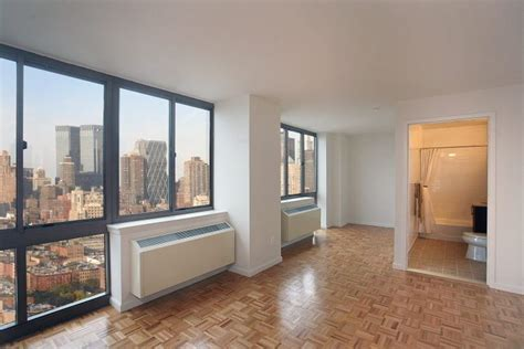 520 west 43rd street what 2 700 month can rent you around new york city