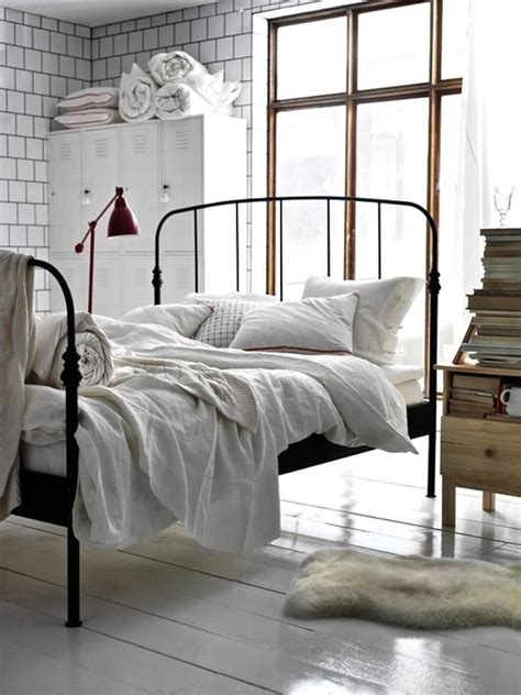iron bed bedroom 25 best ideas about white iron beds on pinterest