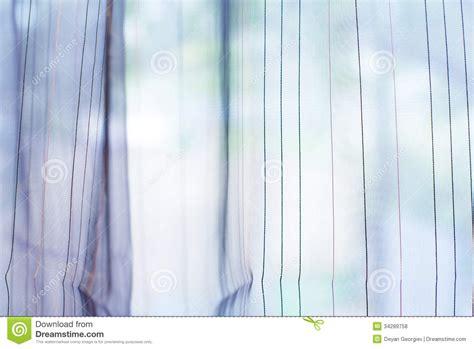 fenster vorhang transparenter vorhang auf fenster lizenzfreie stockfotos