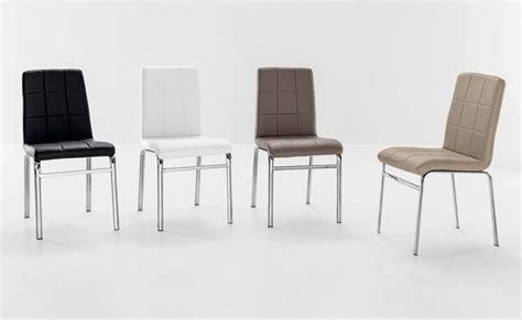 sedie ecopelle colorate come arredare con le sedie colorate 10 idee da copiare