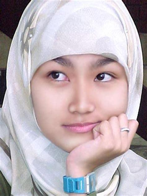 Jilbab Anak Perempuan foto perempuan berjilbab
