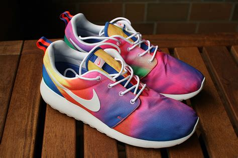 tie dye shoes how to tie dye shoes 14 fascinating ways guide patterns