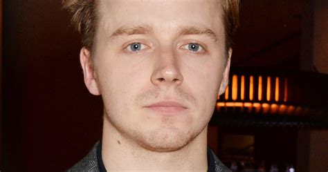 simon pegg jack lowden this charming man is playing morrissey in an upcoming biopic