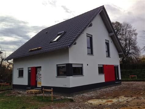 graue fassade fassade einfamilienhaus wei 223 grau hrbayt