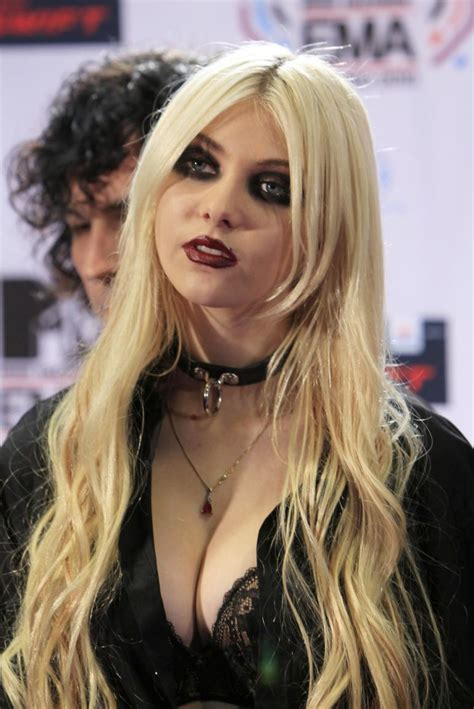 taylor momsen hot photo gallery taylor momsen hot sexy pictures