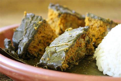 Pendap Ikan Pais pendap kuliner berbalut daun talas khas bengkulu kuliner bengkulu