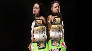 Wwe wrestlers with old school title belts