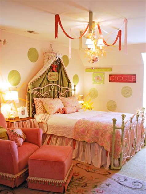 children room wallpaper with princess themes home design princess inspired girls rooms hgtv