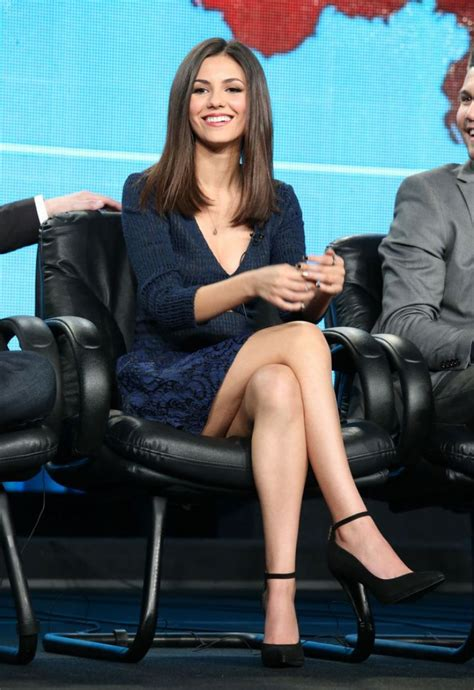 victoria justice celeb victoria justice s legs and feet 23 sexiest celebrity legs