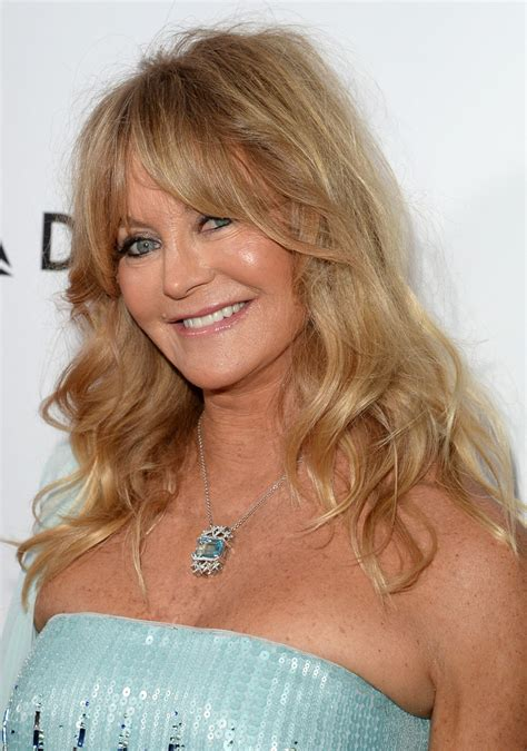 getting crossdresser a haircut and nails done today goldie hawn medium wavy cut with bangs shoulder length