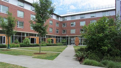 university of oregon housing one in three female students at university of oregon are sexual assault victims