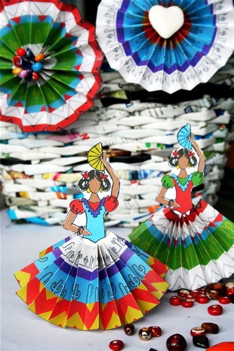 How To Make Mexican Paper Decorations - 25 diy cinco de mayo crafts andrea s notebook