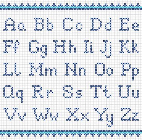 lettere a punto croce schemi schemi punto croce per personalizzare grembiulini asilo