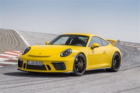 yellow porsche 911 porsche 911 gt3 racing yellow la nouvelle porsche 911 gt3
