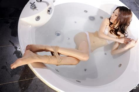 sexy legs in bathtub 17 best images about hot sexy asian girl wenxin on