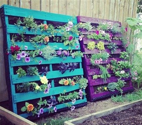 Recycled Vertical Garden Wow I Want To Make Diy Recycled Pallet Vertical Garden For