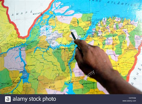 america map pointing pointing towards a map with a pen towards a location