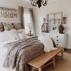 farmhouse style bedroom best 25 farmhouse style bedrooms ideas on pinterest