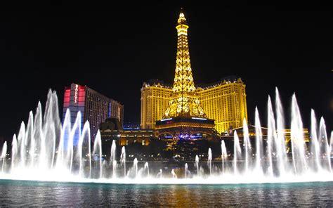 bellagio fountains  hotel paris  eiffel tower las