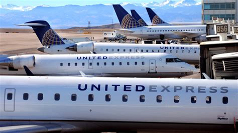 united airlines military com united airlines puts passengers in military barracks for